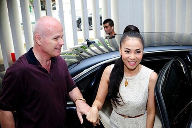 Trước khi bị tố trốn nợ, Thu Minh đã từng gắn liền với những chiếc xe sang đến thế này! - hình ảnh 6